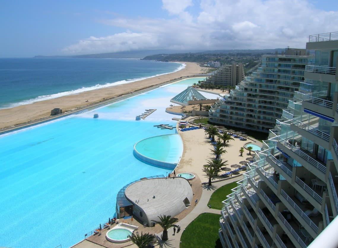 6 самых удивительных бассейнов мира