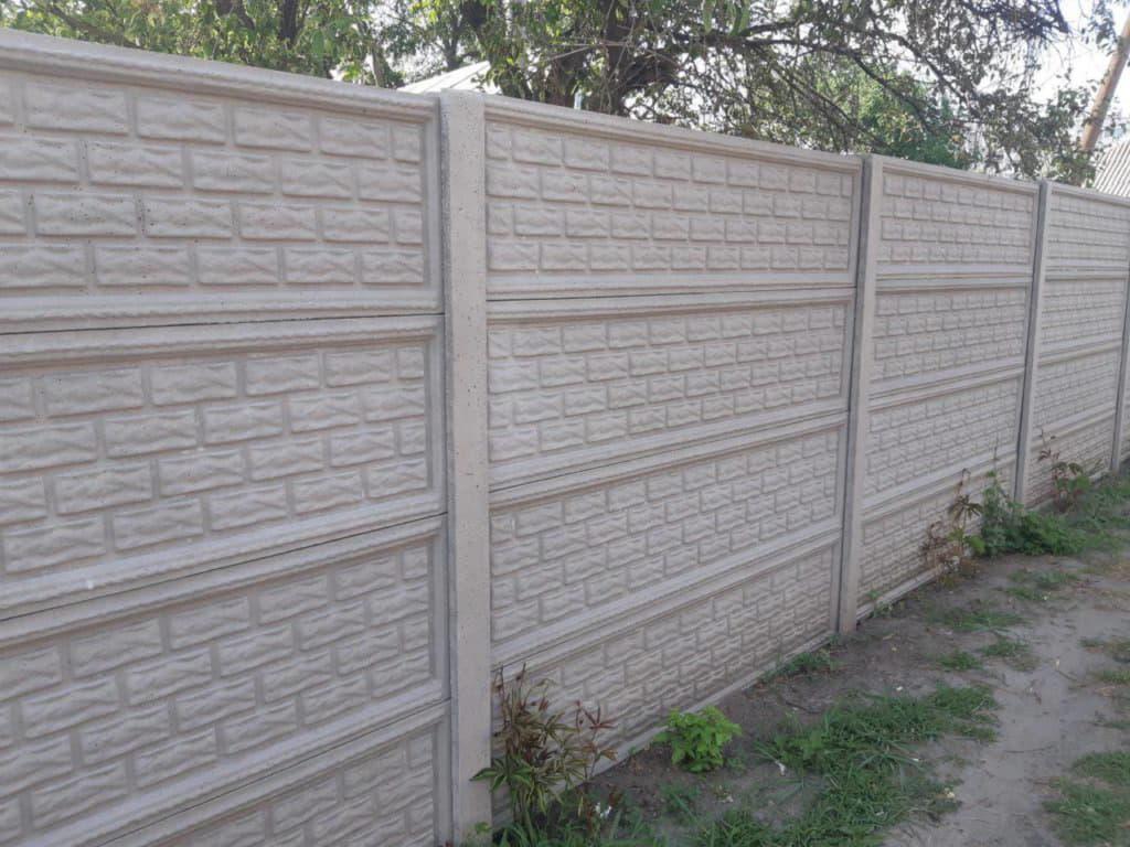 Секционные бетонные заборы